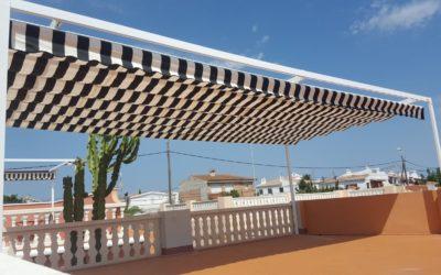 Magnífica terraza! Pérgola de grandes dimensiones con toldo corredero